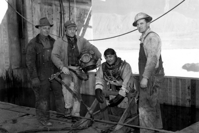 Photo of 1950s dive team at Rock Island Dam